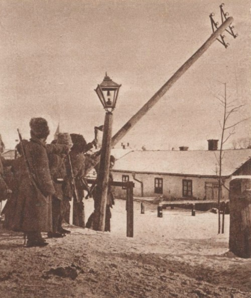 Le Miroir 9 mai 1915 Rusi distrugând comunicatiile în Câmpulung