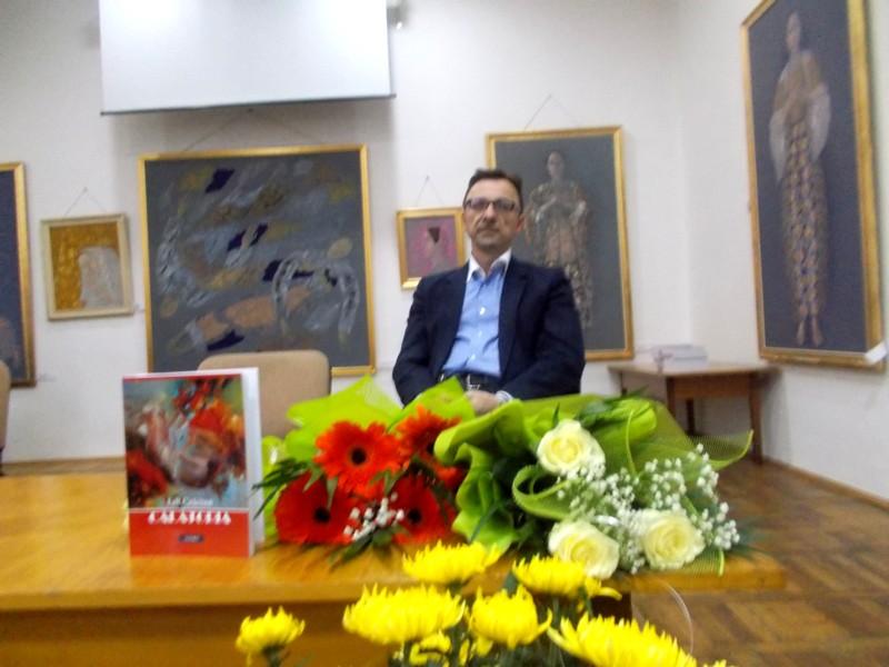 Dr. Gabriel Cărăbuş, eclipsat de florile primite de Lili Crăciun