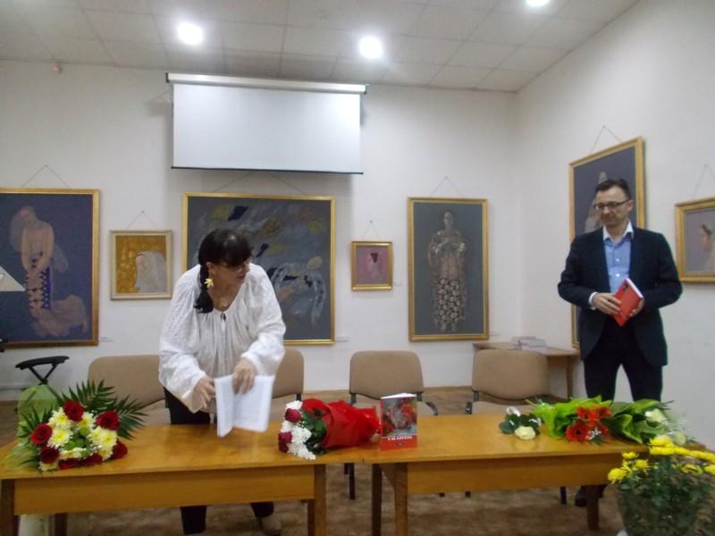 Gabriel Cărăbuş, vorbind despre cartea pe care, ca şi mine, o citise