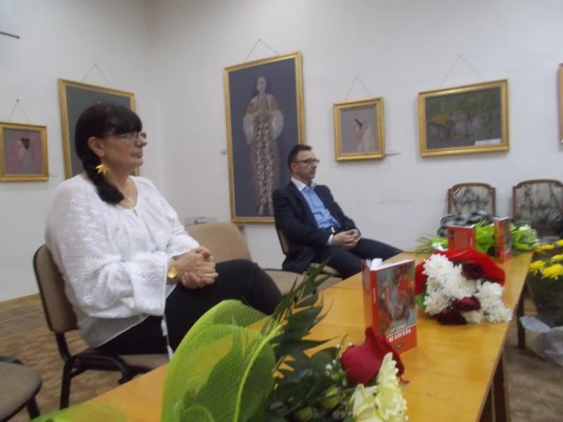 Romanciera Lili Crciun şi Dr, în Istorie Gabriel Cărăbuş