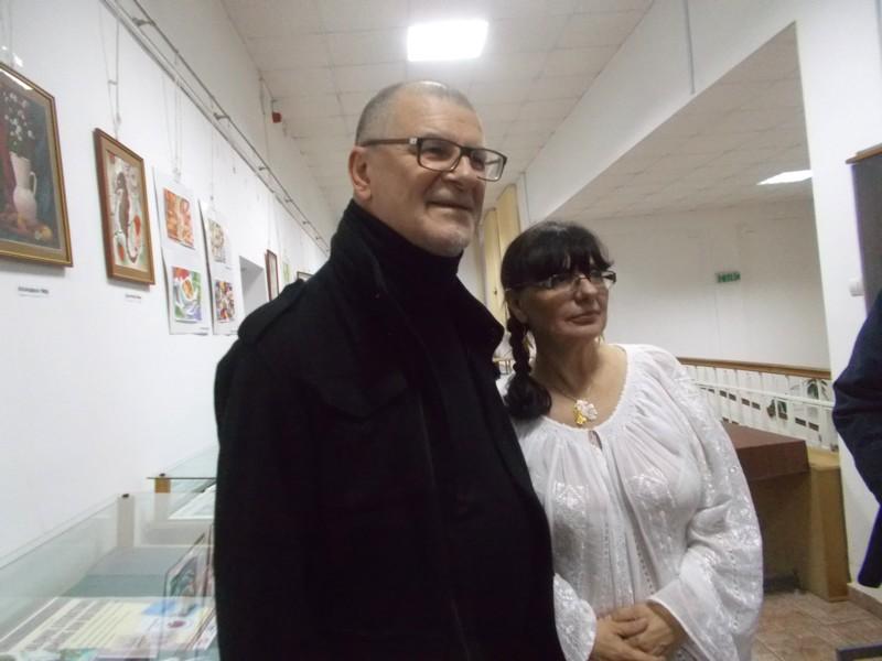 Mihai Pânzaru-PIM, împreună cu strălucitul discipol al soţiei sale, romanciera Lili Crăciun