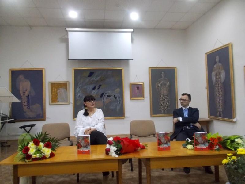 Lili Crăciun şi Gabriel Cărăbuş, oameni cu rădăcini comune