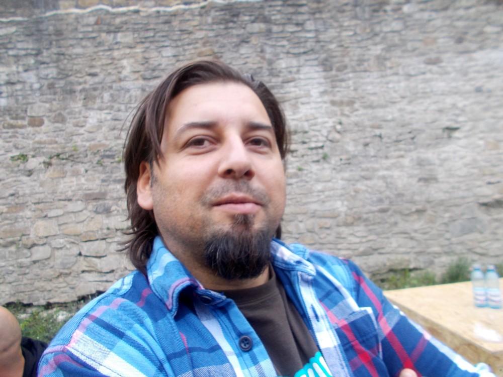 Lucian Csibi, de la RELATIVE, responsabil cu grafica festivalului