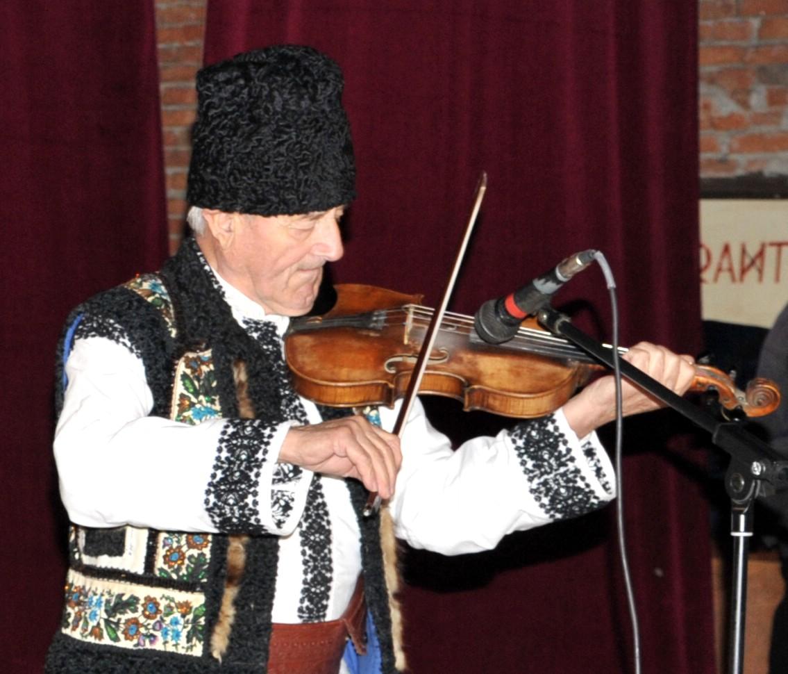 Rapsodul Gheorghe Lungoci, fratele lui Silvestru Lungoci