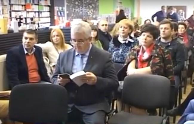 INCREDIBIL, DAR ADEVĂRAT: Primarul Ion Lungu, citind!