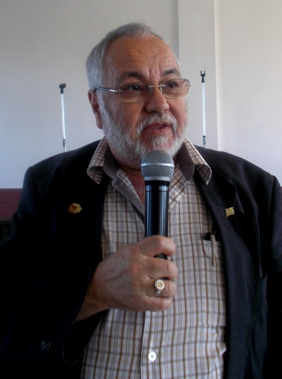 Menachem Falef, poetul