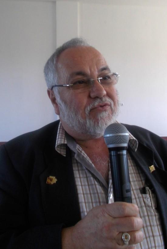 Menachem Falek, prezentând cartea lui Dan Pagis