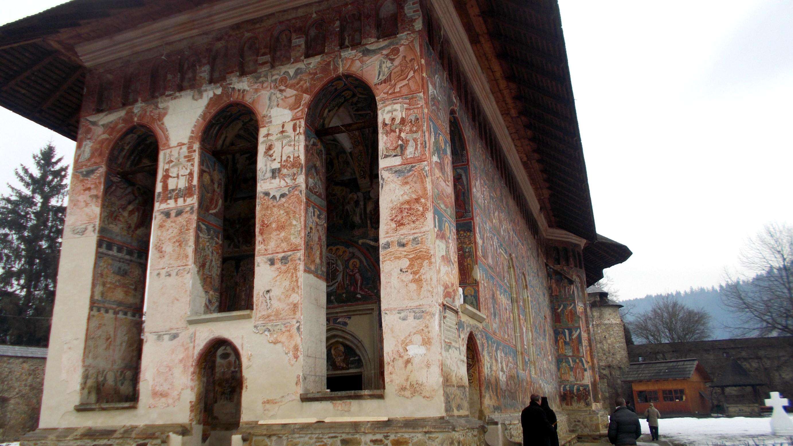 Moldoviţa, peretele vestic
