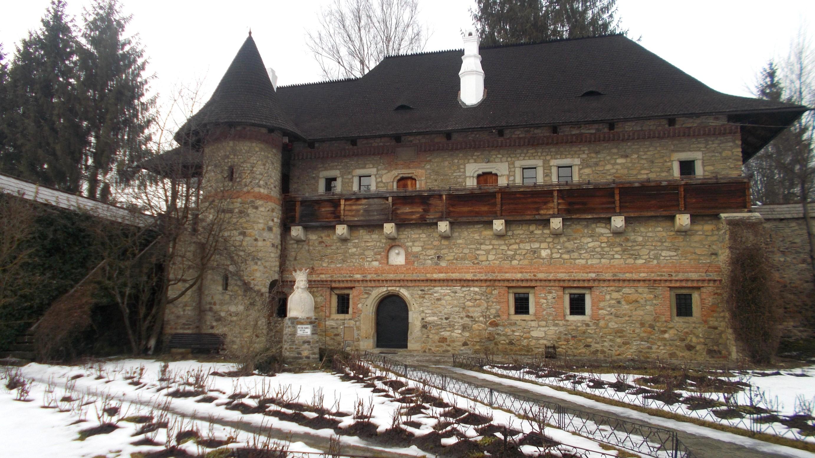 Casa lui Ion Pietraru de la Bistriţa, durată şi la Moldoviţa