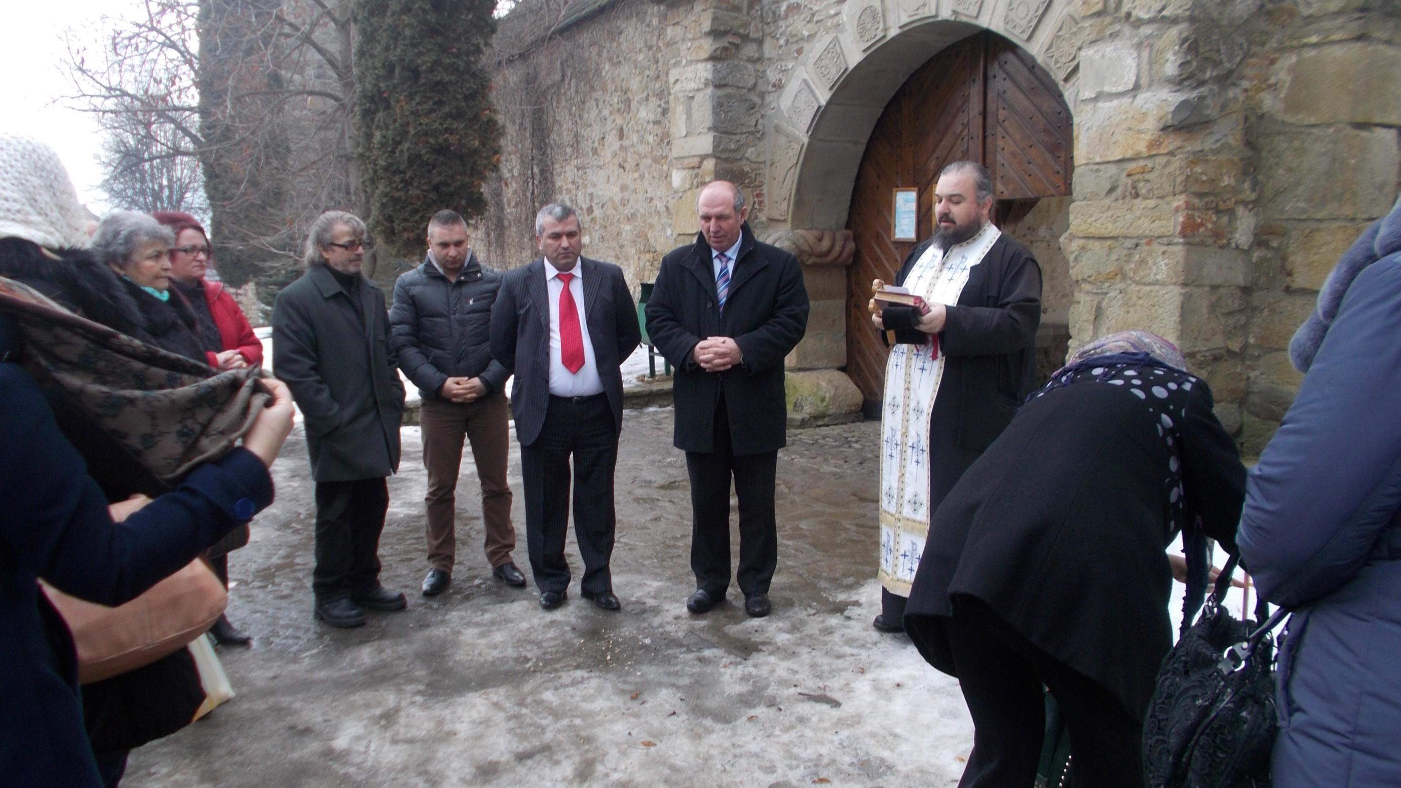 Ionică Băiţan, Cornel Boicu, Mitruţ, Constantin Irimia, de-a dreapta părintelui