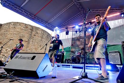 O nouă interpretare a şlagărelor româneşti, în exprimare rock, făcută de Nişte Băieţi - Fotografie de Victor T. RUSU
