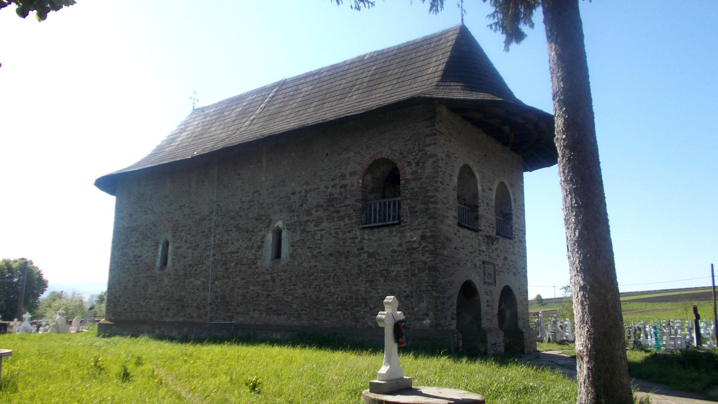 Biserica Sfântului Gheorghe din Părhăuţi, ctitorită, în 1522, de marele logofăt Gavril Trotuşan, ginerele lui Luca Arbure