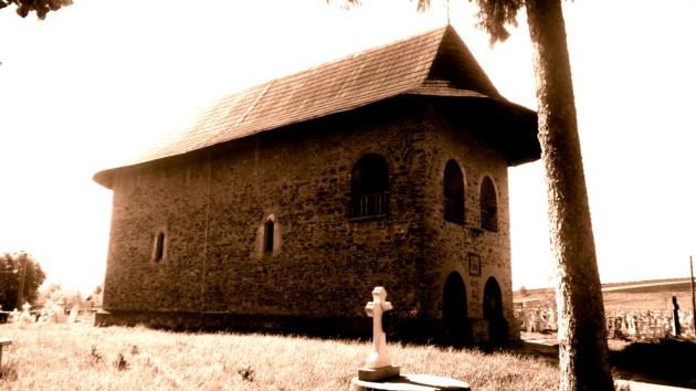 Părhaăuţi, biserica în care s-a cununat străbunicii lui Eminescu, Petrea şi Agafia Eminovici din Costâna
