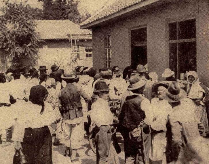 În curtea casei Sfântului din Maglavit