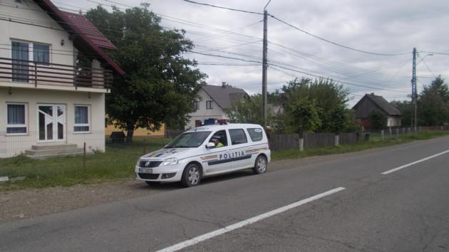 """O maşină de poliţie locală, fără radar, """"ghiceşte"""" vitezele din trafic"""