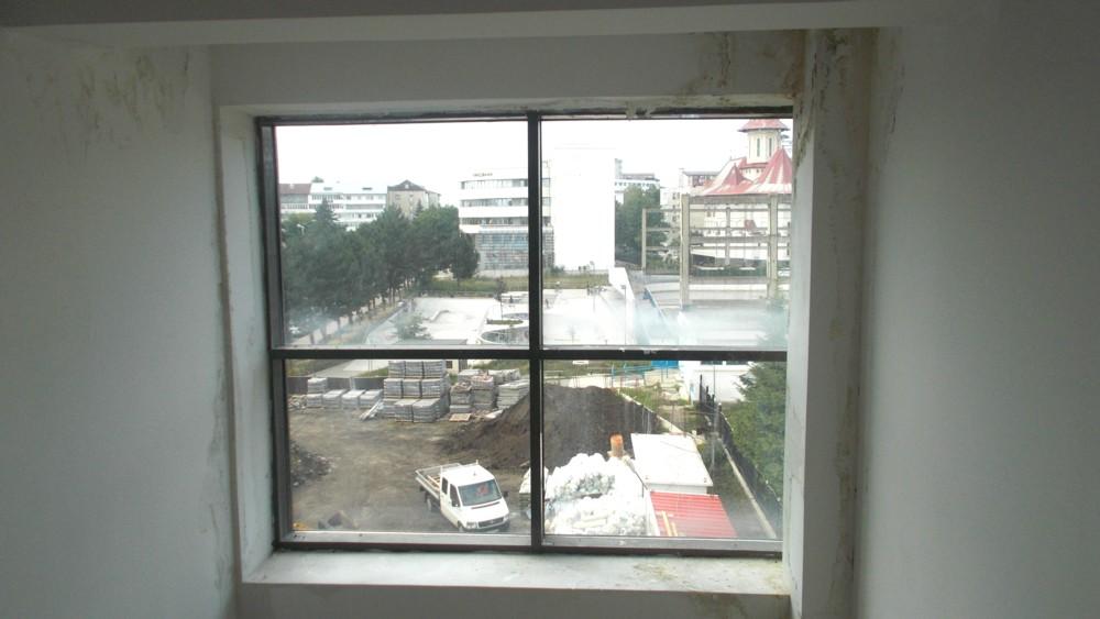 Suceava de după ferestrele murdare ale Şandramalei Primăriei