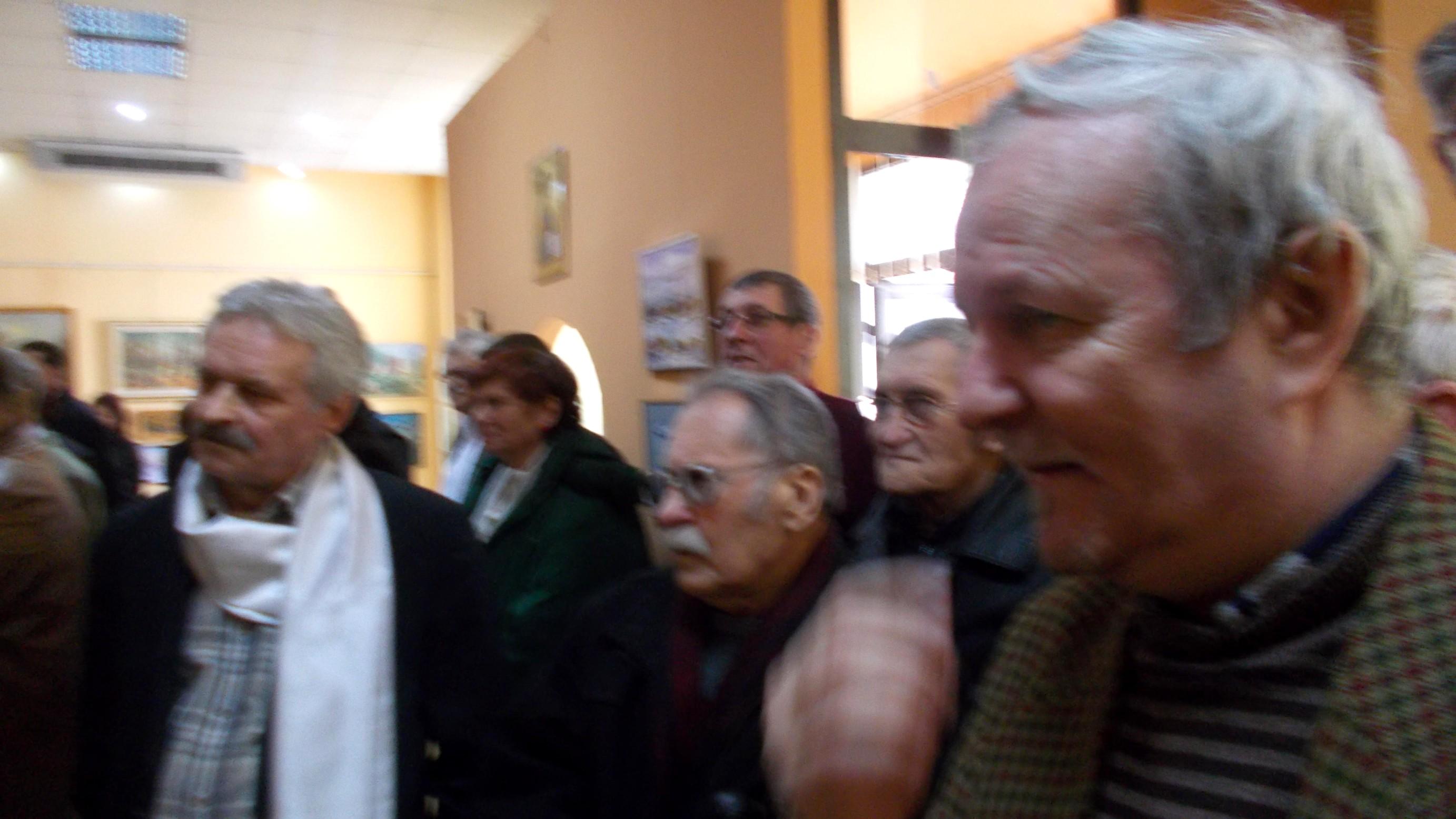Pictorul Dimitrie Savu, flancat de Roman Istrati şi de Vasile Angel Siminiuc