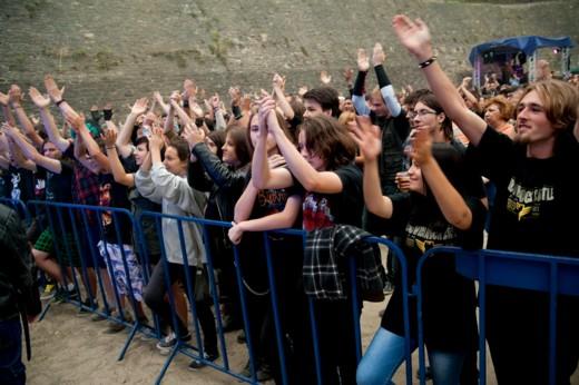 Publicul tânăr al Festivalului BUCOVINA ROCK CASTLE