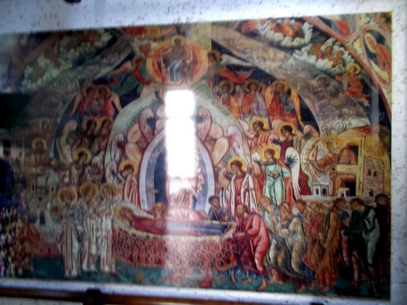 Din holul Consiliului Judeţean Suceava