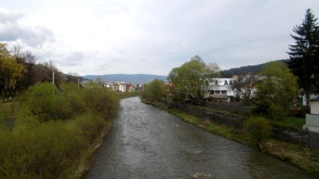 Râul Dorna, ducând spre apa sâmbetei, promisiunea Preşedintelui Nechifor