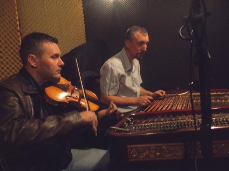 Răzvan Mitoceanu şi Petrică Oloieru, descifrând alt cântec