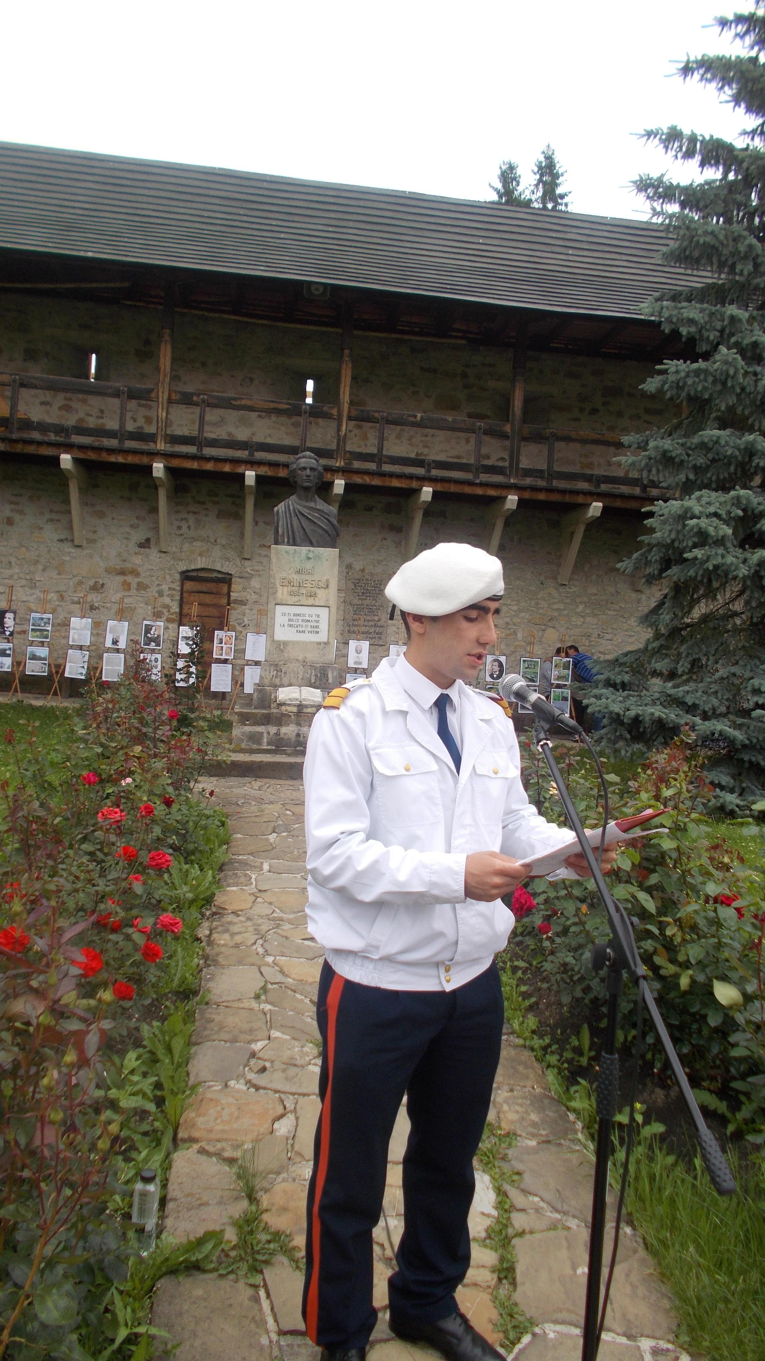 """Câmpulungeanul Adrian Andriu, cu """"Mortul de la Putna"""", al lui George Coşbuc"""