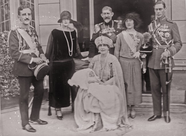 GALLICA: Regii şi reginele Iugoslaviei, Greciei, României, ducele şi ducesa de York