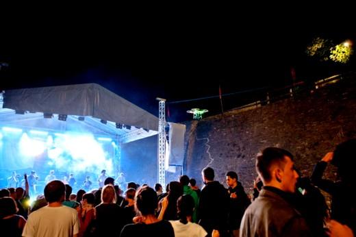 Publicul care merită un festival ca BUCOVINA ROCK CASTLE - Fotografie de Victor T. Rusu