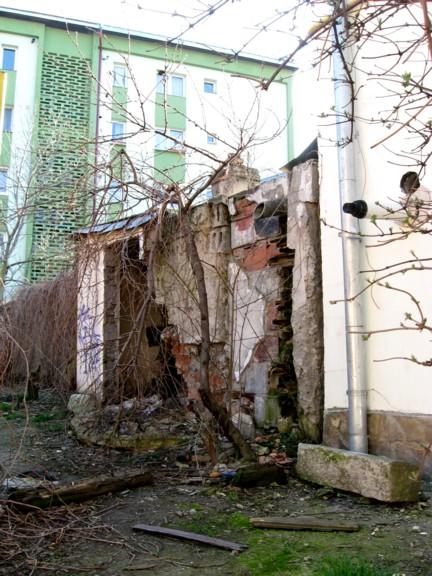 Ruinele de pe strada Prof. Leca Morariu