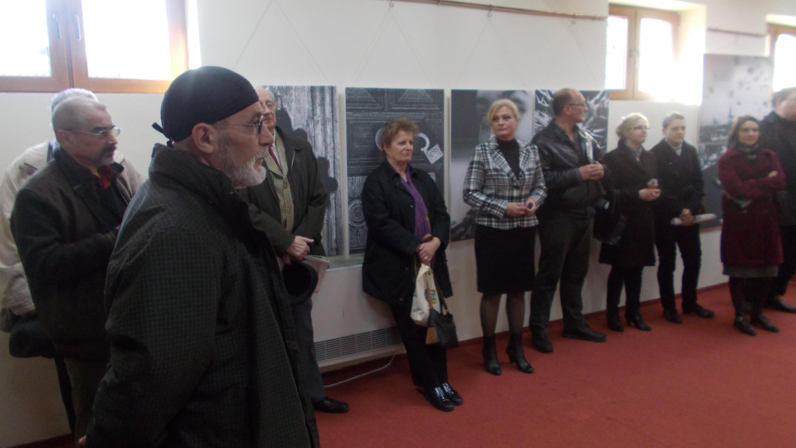 Victor T. Rusu, fascinând humorencele, şi Tiberiu Cosovan, făcându-şi meseria