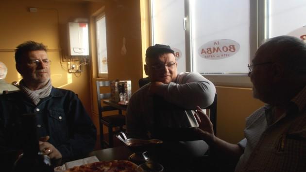 PIM: Drăguşanul e şi mai rău, mănâncă clientele... din ochi.