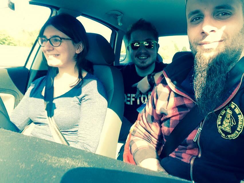 Andreea Savin, Dragoş Alexandu şi Andi, în drum spre Stonehenge