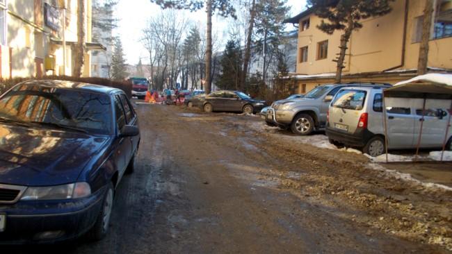 Străduţa pe care locuieşte consilierul judeţean Mihai Grozavu