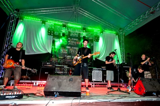 Superhiks, trupa macedoniană cunoscută în Italia sub numele de Superciuk - Fotografie de Victor T. RUSU