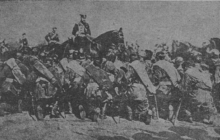 Ţarul Nicolae, la o paradă a oştilor sale pravoslavnice