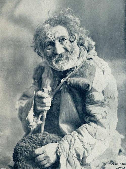 Tip de cerșetor Foto ADLEA Brasov 1926 LUMEA ILUSTRATA