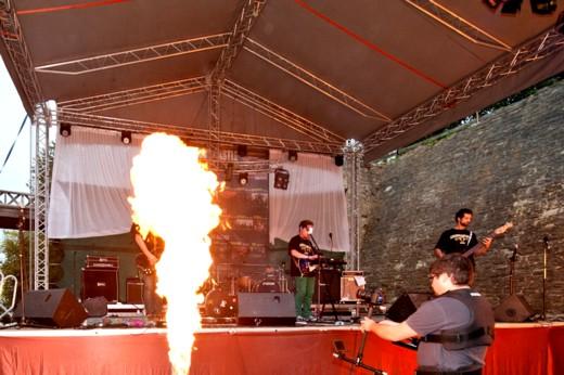 Jocul cu focul - Fotografie de Victor T. RUSU