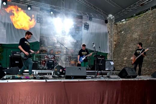 """Toy Machines şi flăcările lui Marius Socoliuc, de la """"Pro Music"""", puse gratuit la dispoziţia Festivalului - Fotografie de Victor T. RUSU"""