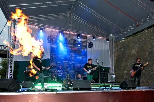 Omul în flăcări, chitaristul Buzzu Parascan