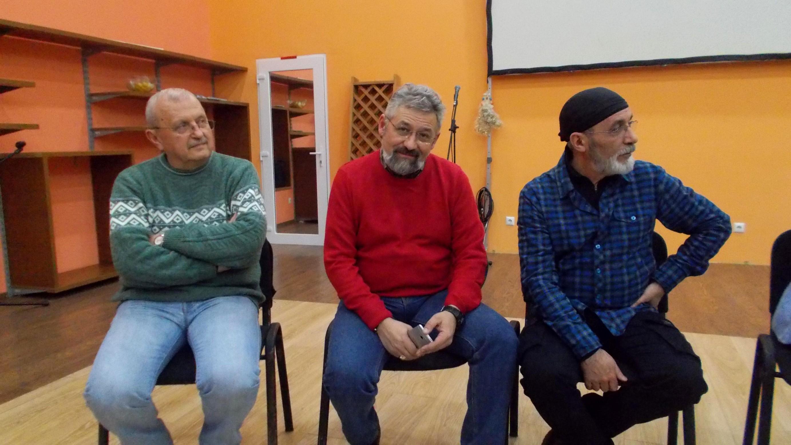 Prezidiu: Ştefan Toth, Cornel Cârdei şi Victor T. Rusu