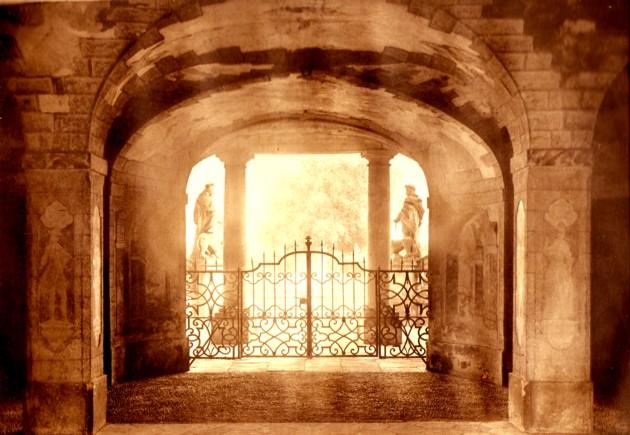 Veltrusy, poarta de intrare în castel
