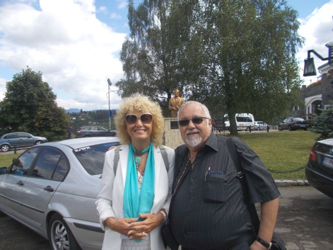 Wilhelmina si Menachem Falek