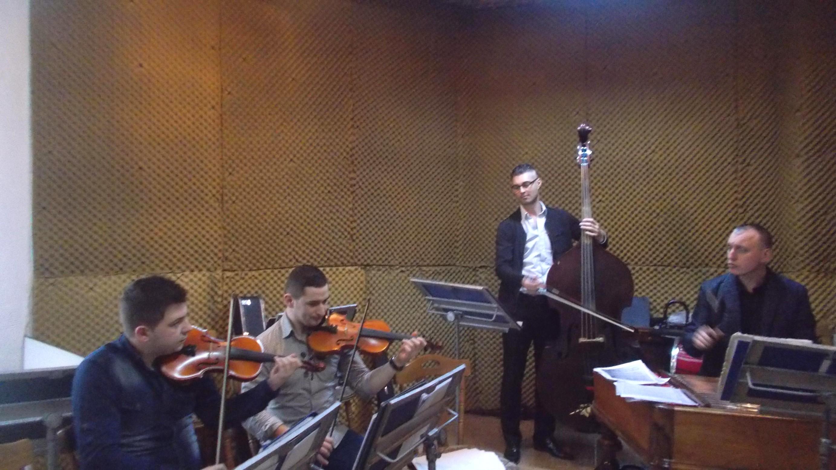 Zicălaşii Adrian Pulpă, Narcis Rotaru, Ionuţ Chitic şi Petru Oloieru