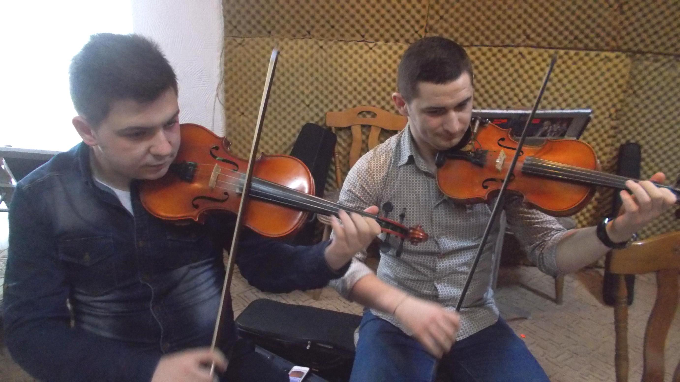 Zicălaşii Adrian Pulpă şi Narcis Rotaru
