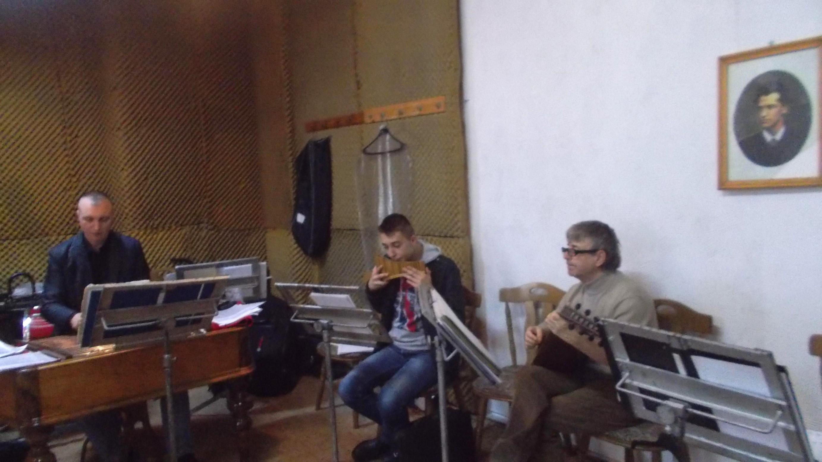 Zicălaşii Petrică Oloieru, Gabriel Hurjui şi Constantin Irimia